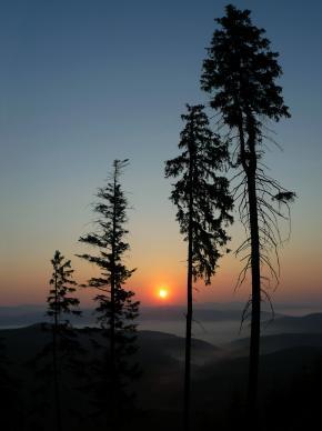 Východ Slunce s inverzí